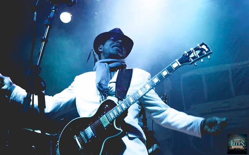 O-norte-americano-Vasti-Jackson-foi-uma-das-principais-atrações-ibitipoca-blues